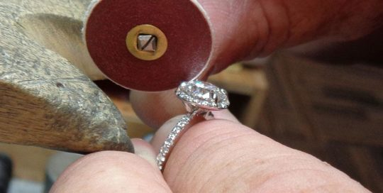 jewellery cleaning and polishing