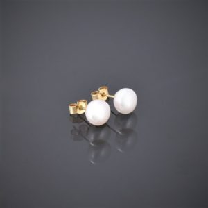 Right view of 9 ct gold pearl stud earrings
